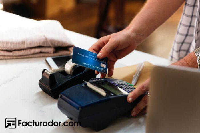 Trasladar al cliente la obligación de facturar te traería una multa