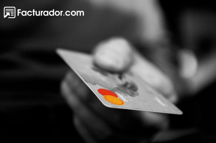 ¿Usas tarjeta de crédito para todo? Evita estas acciones y ahórrate problemas con el SAT